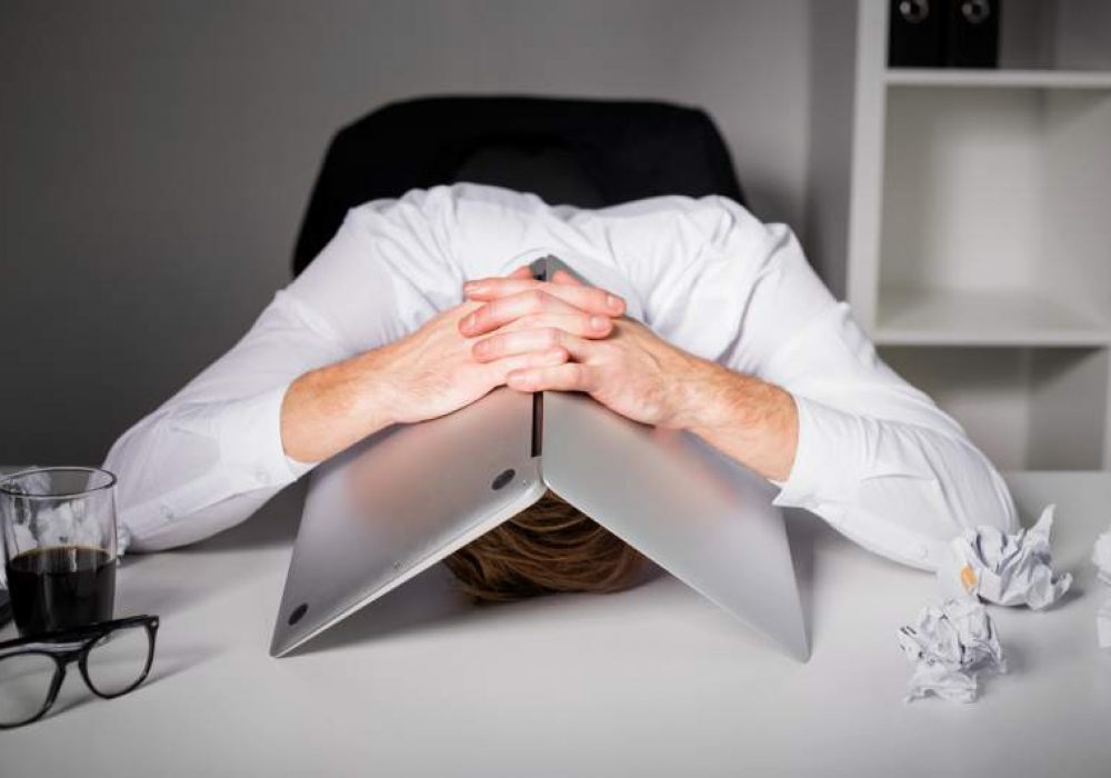 ¿Siente que está trabajando más en teletrabajo? No es su imaginación – Estrategia y Negocios